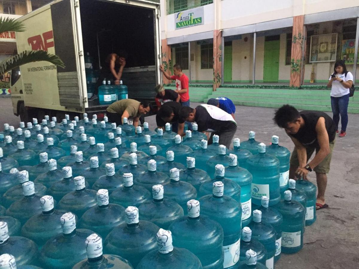 Manila Water Foundation responds to fire disaster in Navotas through water relief