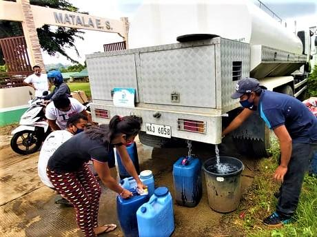 Manila Water Foundation, in partnership with Laguna Water and GMA Kapuso Foundation, deployed a 10-cubic meter water tanker at Sitio Matala, Barangay Cahil in Calaca, Batangas